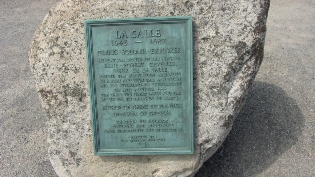 Plaque en l'honneur de Cavelier de La Salle